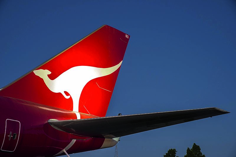 SCN280416OUTBACK Qantas 747 Jet - Longreach
