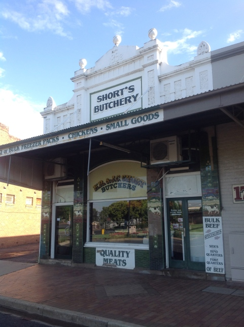 Main street of Narromine, NSW> Photo: Erle Levey