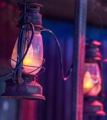 kinnonandco-riverbank-lanterns