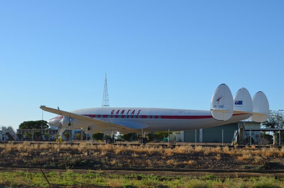 Qantas Super Constellation 6