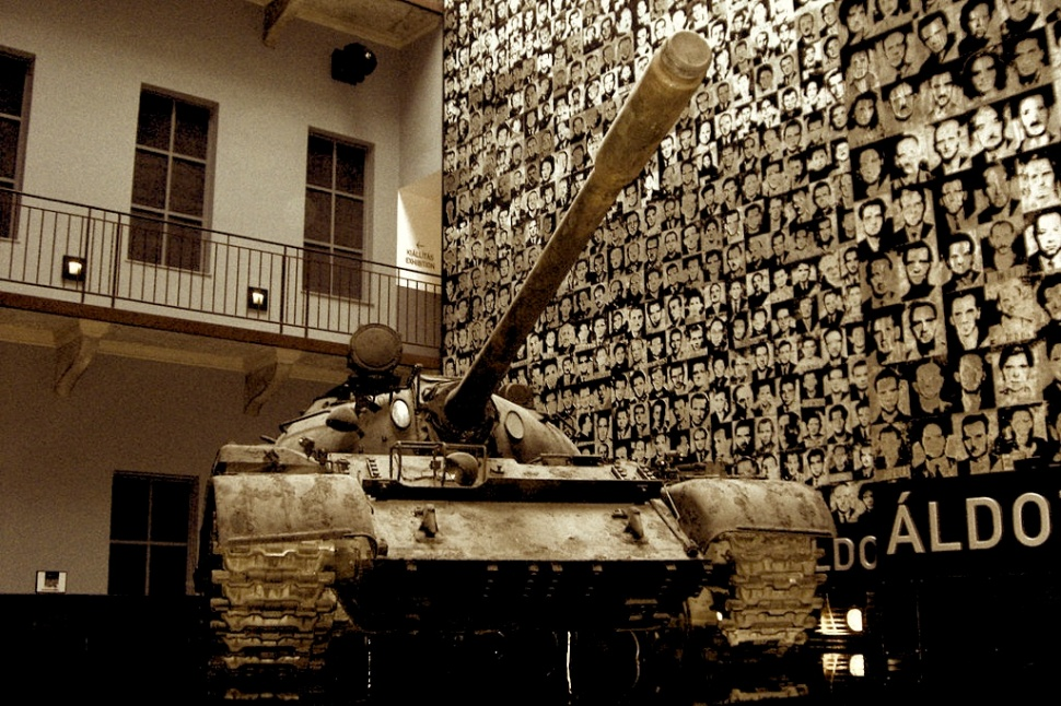 1024px-Budapest_Terror_Museum_Tank